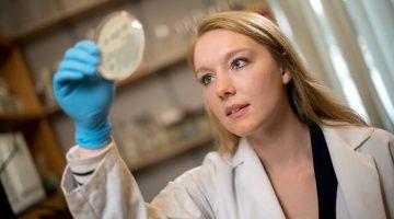 Emily-Illingworth-student-lab