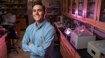 Christian Zwirner biochemistry student lab