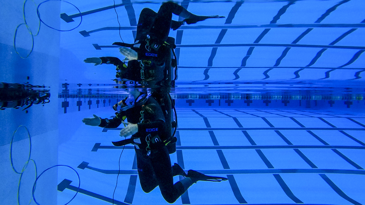 featured image for Students dive for science